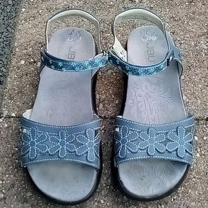 JBU by Jambu wildflower sandals 7